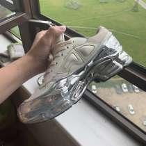 Sneakers Ozweego metallic Adidas by Raf Simons, в г.Very