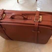 Кожаный винтажные чемодан, в Москве