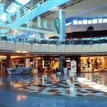 Торговый центре в центре Мадрида, в Санкт-Петербурге