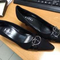 Продам модельные замшевые туфли, в Екатеринбурге