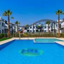 Недвижимость в Испании, Новые бунгало в Пилар-де-ла-Орадада, в г.Pilar de la Horadada