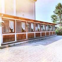 Кафе для свадьбы, летняя веранда в Парад парк отель - Томск, в Томске