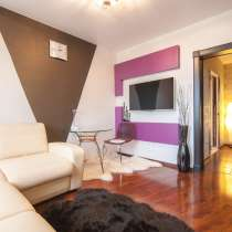 Шикарная квартира с дизайнерским свежим ремонтом и мебелью!, в Екатеринбурге