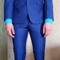 Стильный костюм с рубахой, в Томске