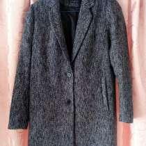 Продам классическое женское пальто, размер 46-48, в Кемерове