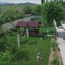 Продаю дом с бассейном, в г.Бишкек