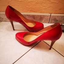 Красные жен туфли 39 Итал. размер, в г.Ницца