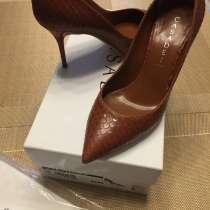 Туфли новые Casadei, р-р37, в Мытищи