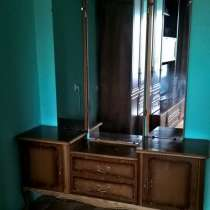 Трельяж (туалетный столик), массив дерева, винтаж, в Новосибирске