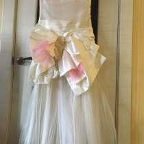 Платье новое на выпускной размер 40, в Владимире