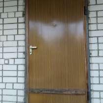 Входная железная дверь, в Саратове