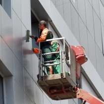 Мытье окон, витрин и фасадов зданий в Новосибирске, в Новосибирске