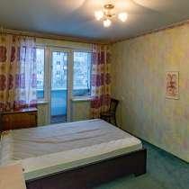 Трехкомнатная квартира в Ленинском районе, в Челябинске