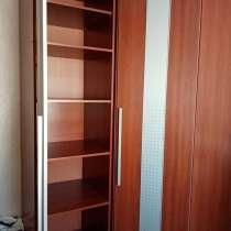 Продам угловой шкаф для одежды+ пенал, в Улан-Удэ
