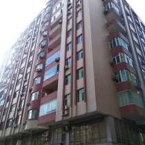 Продается 4-х комнатная квартира (под мояк) на пр. Ататюрк, в г.Баку
