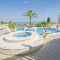Роскошная вилла с панорамным видом на море в Испании, Дения, в г.Дения