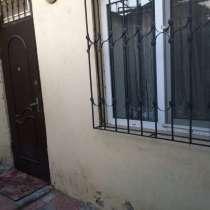 Продается срочно 2 комнатную, в г.Баку