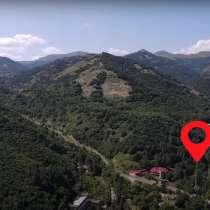 Дом у подножья горы в Агверанском заповеднике (Армения), в г.Ереван