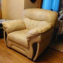 Продам элитное кожаное кресло, в Москве