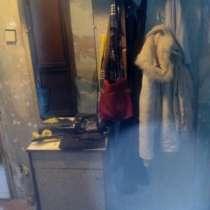 Прихожая-секция с зеркалом и крючками, шкафчиком, в Мичуринске