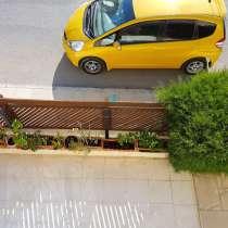 3-х комнатные апартаменты с ремонтом и мебелью в пешей досту, в г.Пафос
