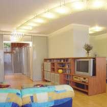 Двухуровневая квартира с авторским дизайном, в Самаре
