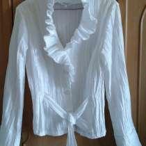 Блузка нарядная новая, в Москве