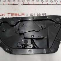 З/ч Тесла. Внутренняя панель двери задней правой Tesla model, в Москве