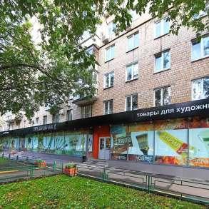 Помещение свободного назначения на первой линии домов, в Москве