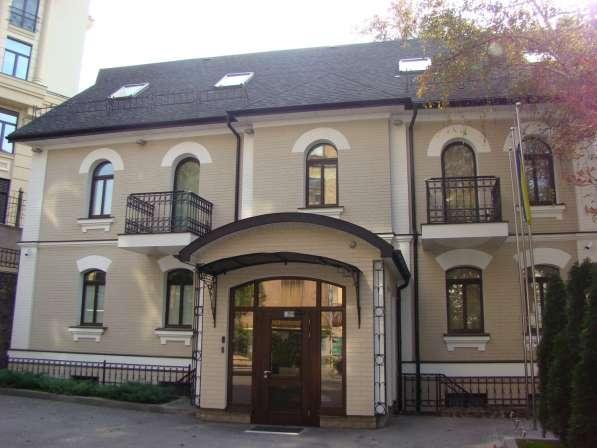 Аренда здания на Андреевском спуске в центре Киева. Ремонт