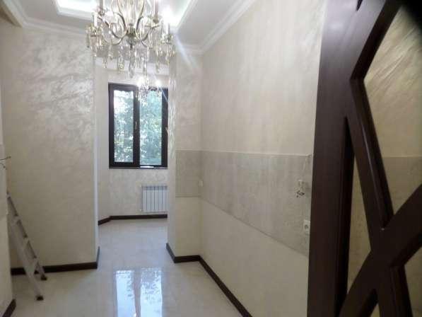 В центре Еревана, недалеко от университета, 3 комнаты в фото 5