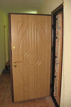Установка металлических входных дверей в Сочи