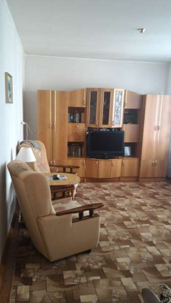 Продам 2-х комнатную квартиру на пр-те Авиастроителей, 33