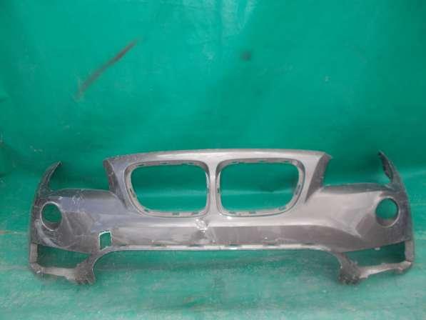 Передний бампер на BMW X1 E84 б. у. оригинал