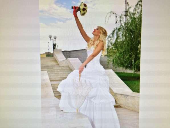 Свадебное необычное платье с пионами, 42-44.13000 руб в Краснодаре