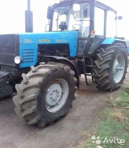 Трактор МТЗ1221 Беларус