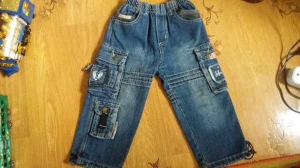 Стильные джинсы на рост 104