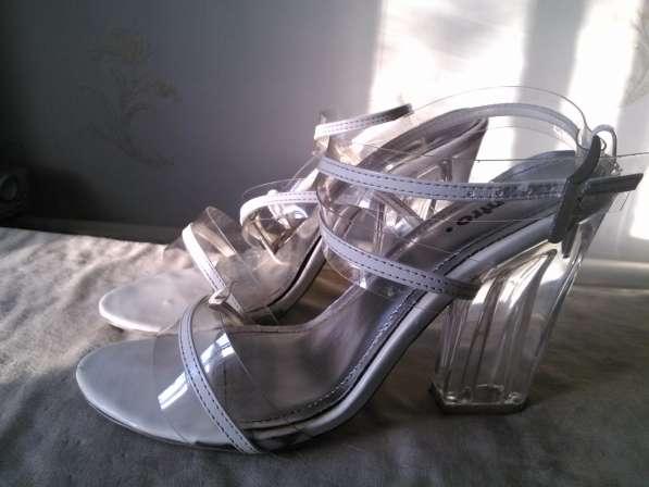 Туфли силиконовые с прозрачным каблуком