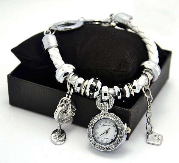 Роскошные часы-браслет Pandora