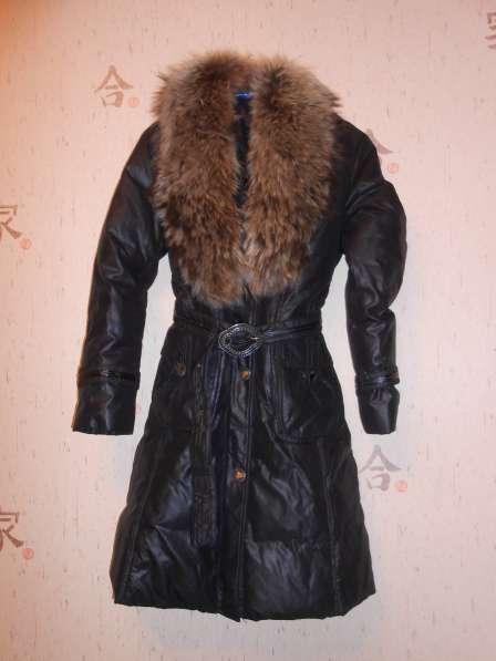 Продам куртку, размер 44-46, воротник песец. Цена 500 руб