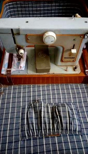 2 рабочие швейные машинки в Москве фото 3