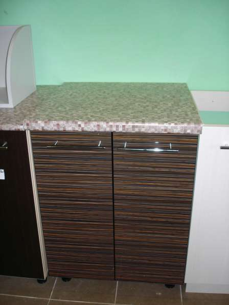 Распродажа Напольный шкаф кухонный 70см с тремя шуфлядами в фото 5