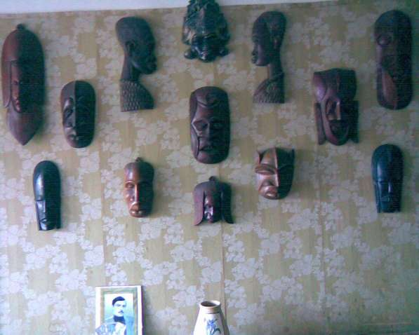 Коллекция африканских масок, народное творчество