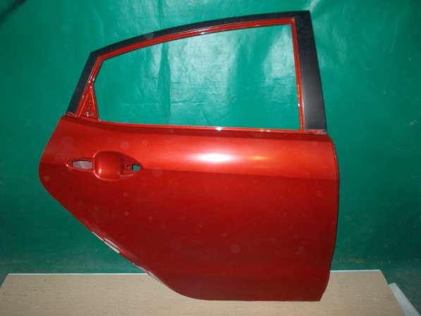 Kia Rio 3 Задняя правая дверь б/у Оригинал