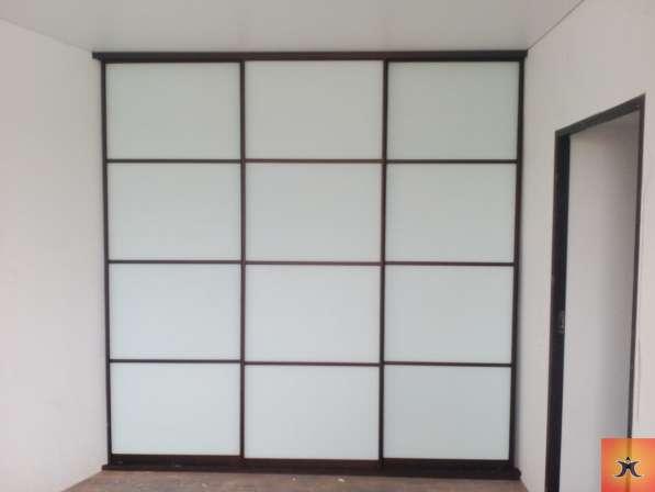 Встроенный шкаф-купе с межкомнатной дверью