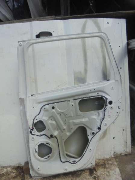 дверь задняя правая аутлендер