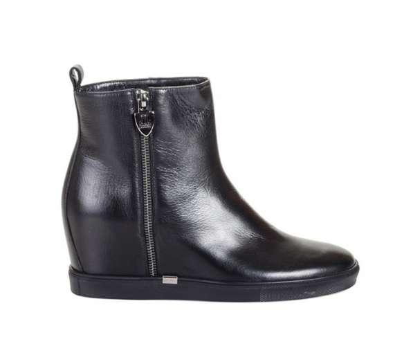 В продаже ботинки Loriblu