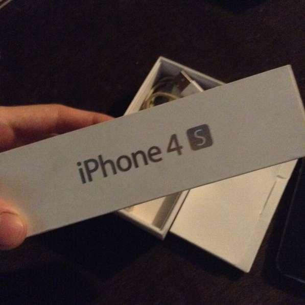 Продаётся IPhone 4S и чехлы на IPhone 4/4S