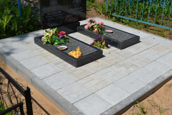 Благоустройство могил и установка памятника Солигорск в фото 6
