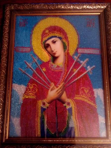Продаётся вышитый бисером образ пресвятой Богородицы